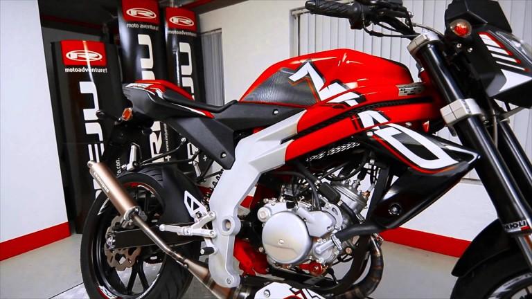 Siapa Bilang Motor 2tak Jadul? Nih Rieju RS3 50cc NKD Ganteng Banget..!!!