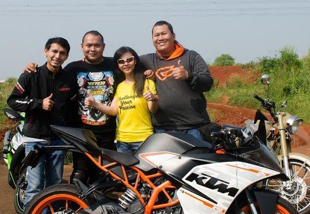 Video Review KTM RC390 Bersama Bendigo Motor dan Dua Blogger Senior