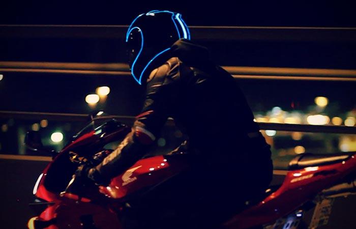 lightmode-motorcycle-helmet-3