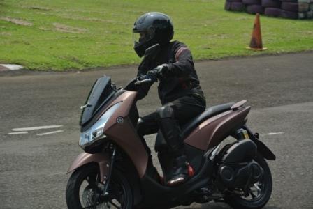Test Ride Yamaha Lexi 125: Aduh… Kena Tipu Mesin 125cc!