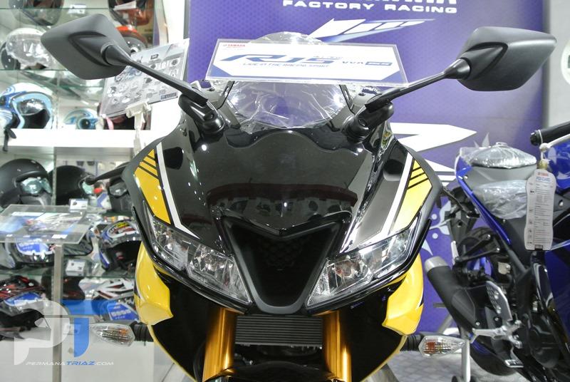 All New Yamaha R15 Warna Kuning Front