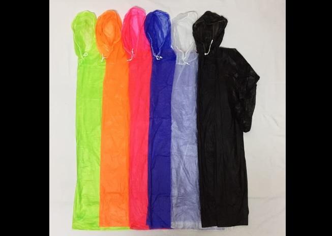 kelebihan jas hujan plastik
