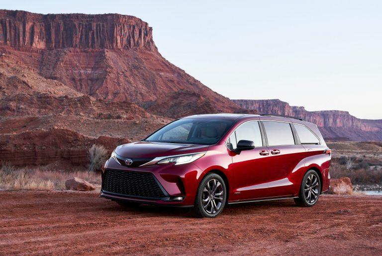 Toyota Resmi Luncurkan All New Sienna 2021, Desain Terinspirasi Kereta Shinkansen!
