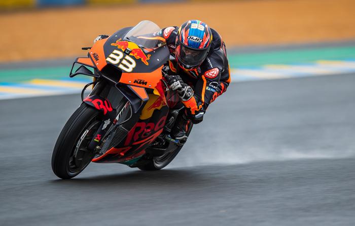 Hasil MotoGP Austria 2021: Nekat Pakai Ban Slick di Track Basah, Binder Mujur Finish Pertama!